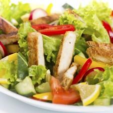 Seis-formas-de-arruinar-una-ensalada-saludable-1